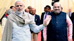 Ye-bol-raha-hai-Modi-pointing-at-Amit-Shah