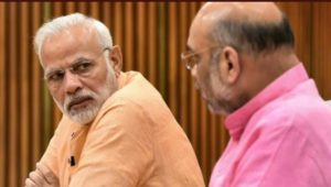 modi-looking-at-shah